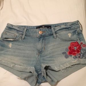 Hollister embroidered shorts size 3